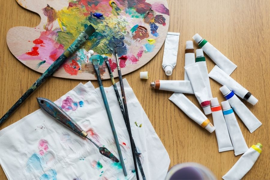 EXPAND YOUR PALETTE BY LEARNING TO PAINT WITH A KNIFE (1)