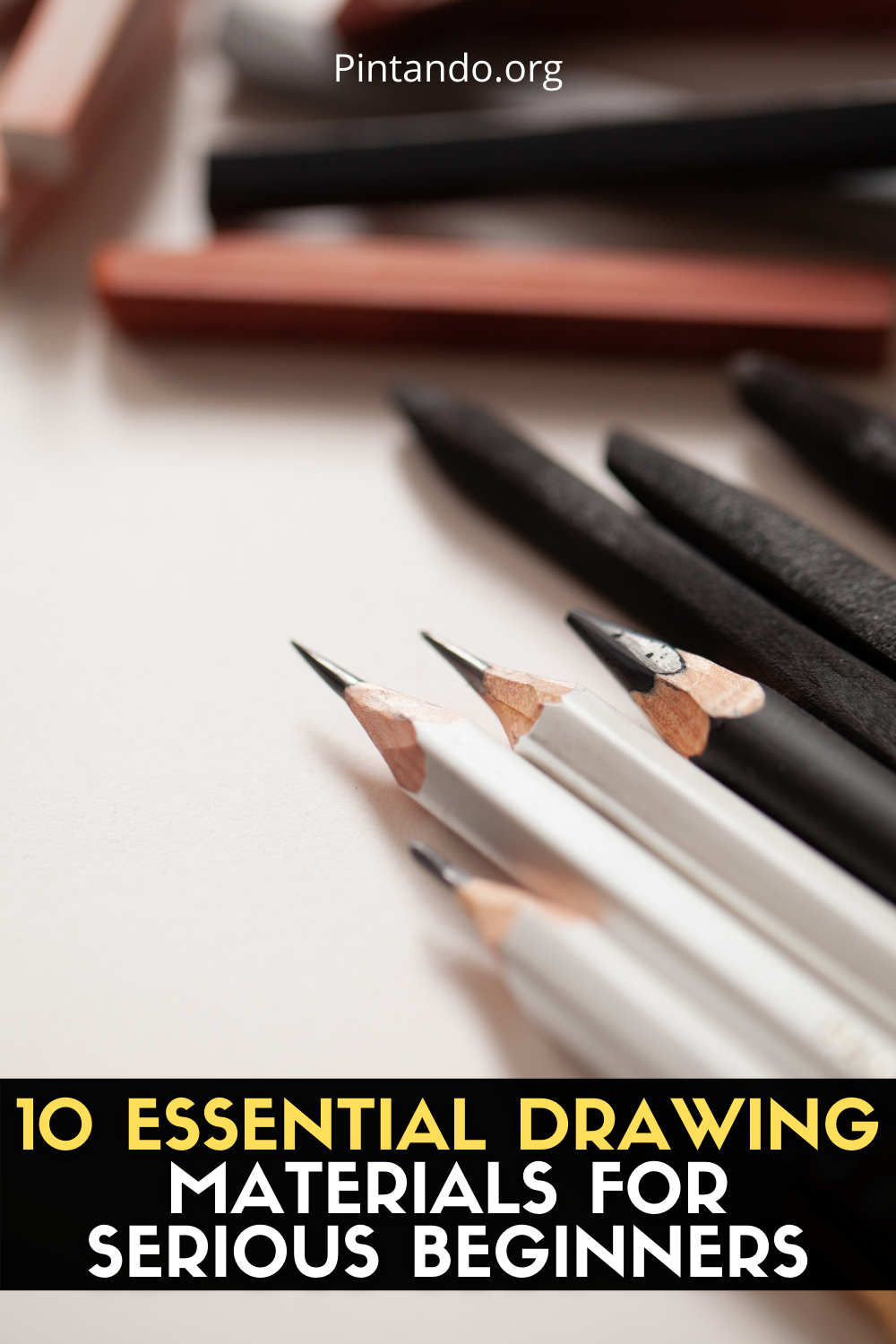 10 ESSENTIAL DRAWING MATERIALS FOR SERIOUS BEGINNERS