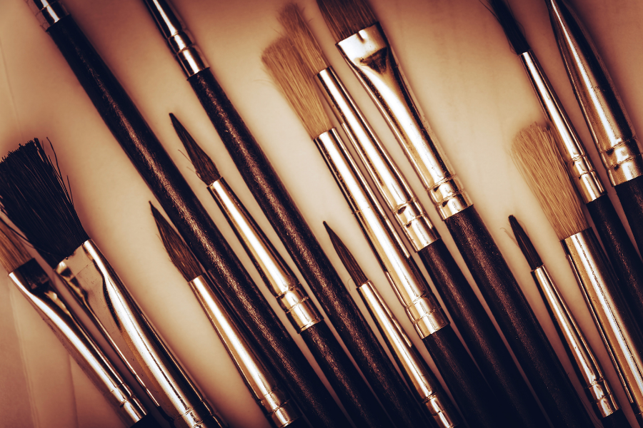 HOW TO CLEAN SYNTHETIC PAINTBRUSHES (1)